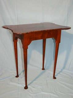 Colonial porringer table in tiger maple